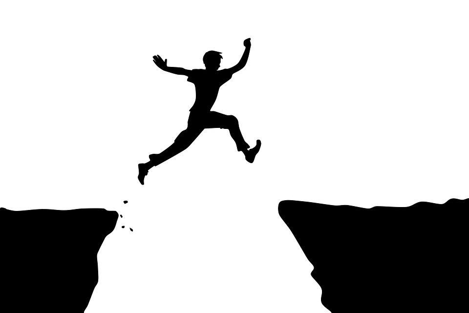 個人の力で稼ぐためには圧倒的努力が必要